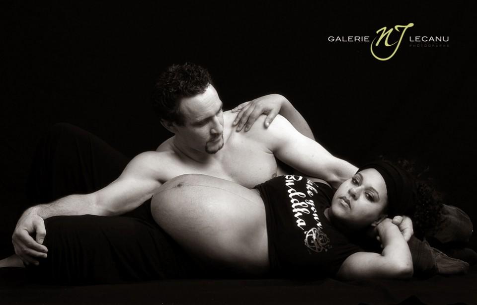 photo-femme-enceinte-en-studio-a-caen-deauville-normandie